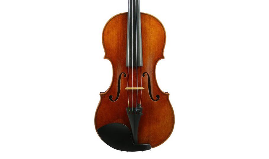 Luthier Vidal potencia su sección de violines antiguos y profesionales