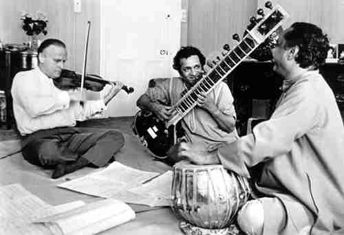 Yehudi Menuhin con Ravi Shankar